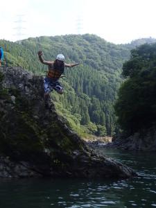 岩の上からの飛び込み