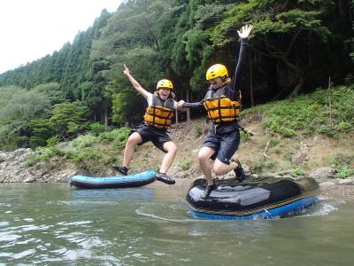 ボートからジャンプ