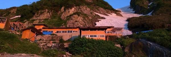 朝日の山小屋
