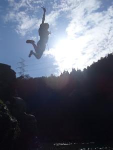太陽にジャンプ