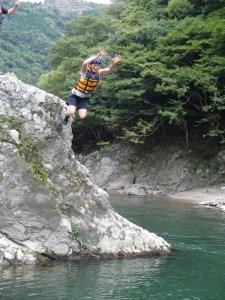 勇気を出してジャンプ
