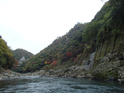 紅葉の始まった保津峡