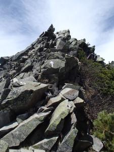 ピラミッドピークへの壁