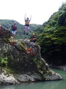 飛び込みと岩つつじ